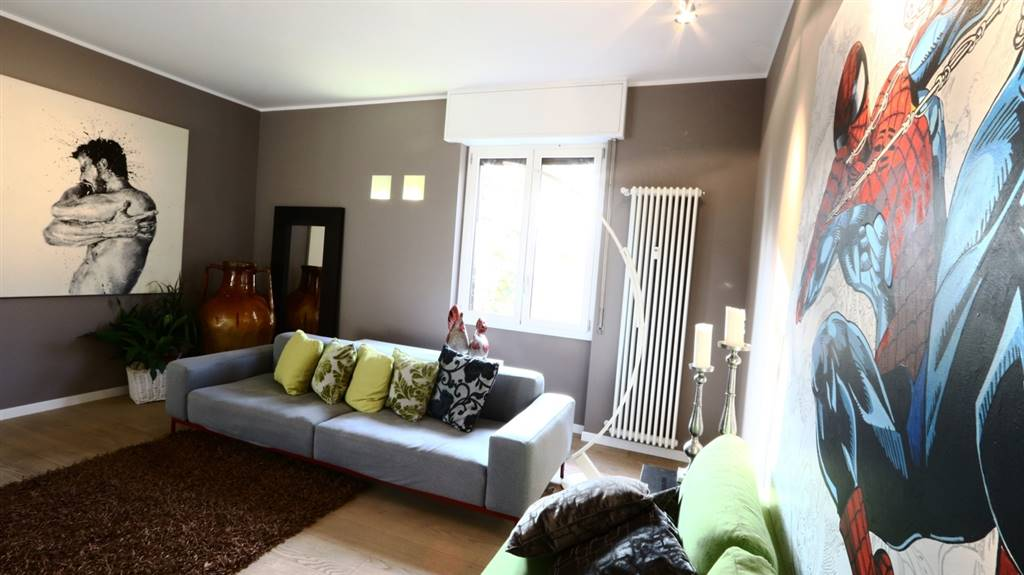 Appartamento in Vendita a Vimercate: 5 locali, 230 mq