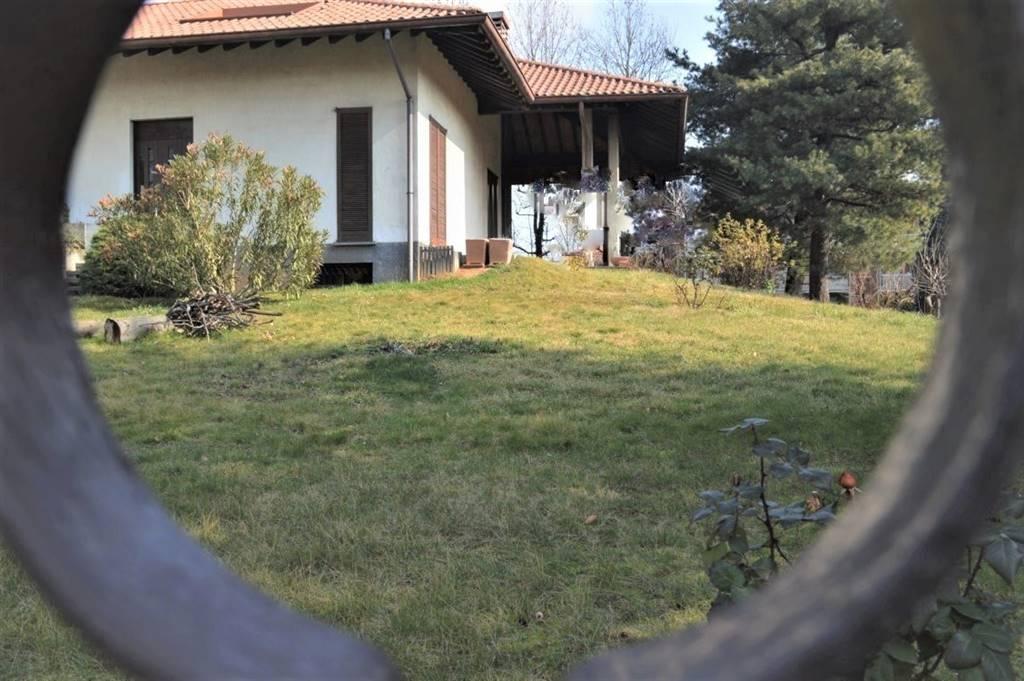 Villa in Vendita a Bellusco: 4 locali, 350 mq