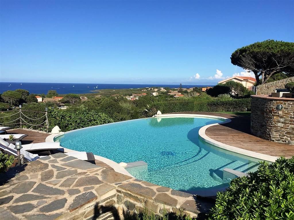 Villa in Vendita a Stintino: 5 locali, 395 mq