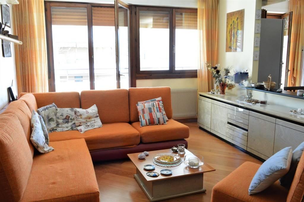 Appartamento in Vendita a Cavenago Di Brianza: 3 locali, 110 mq