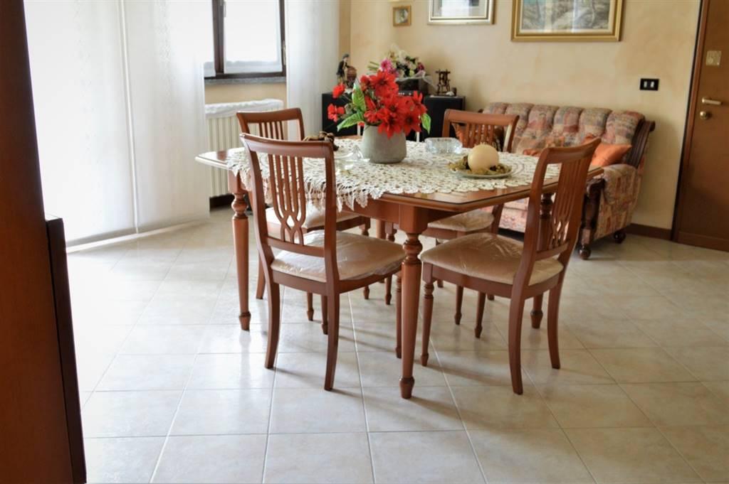Appartamento in Vendita a Busnago: 3 locali, 102 mq