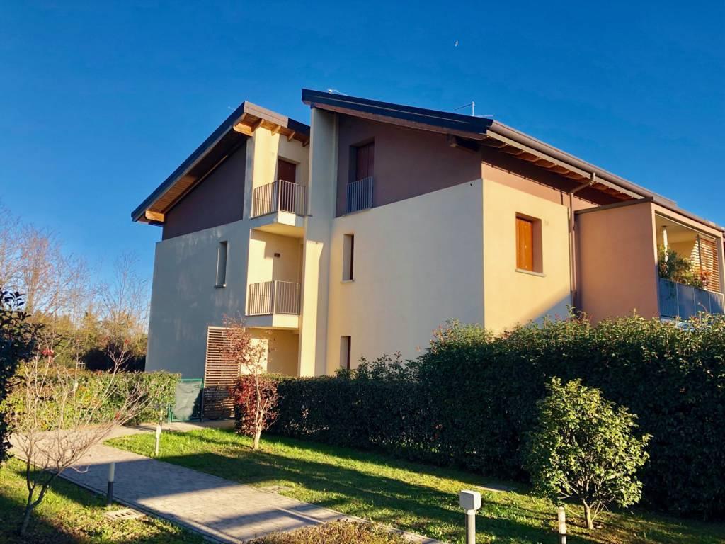 Appartamento in Vendita a Cornate D'Adda: 3 locali, 98 mq