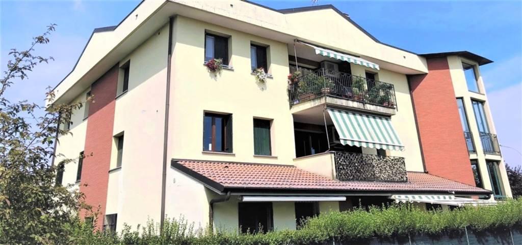 Appartamento in Vendita a Cavenago Di Brianza: 4 locali, 135 mq