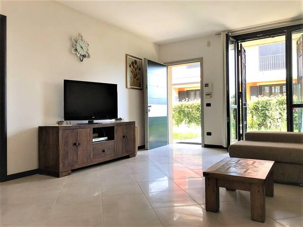 Appartamento in Vendita a Cornate D'Adda: 3 locali, 123 mq