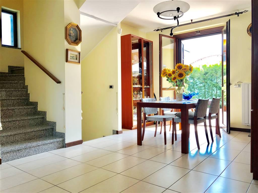 Villa in Vendita a Mezzago: 4 locali, 190 mq