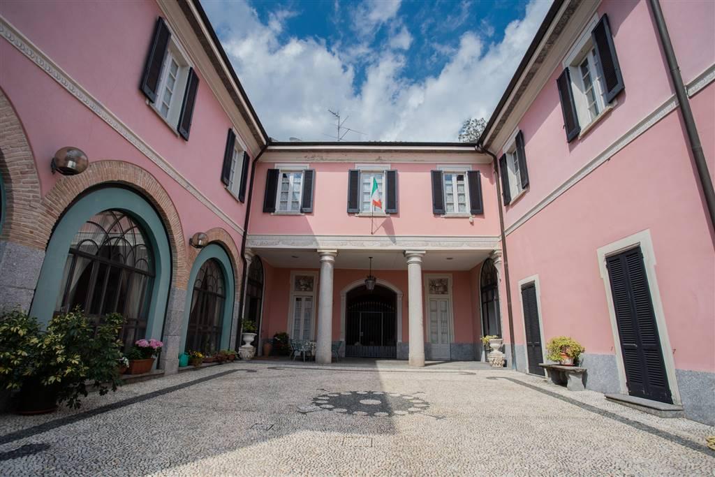 Villa-Villetta  in Vendita a Albese Con Cassano
