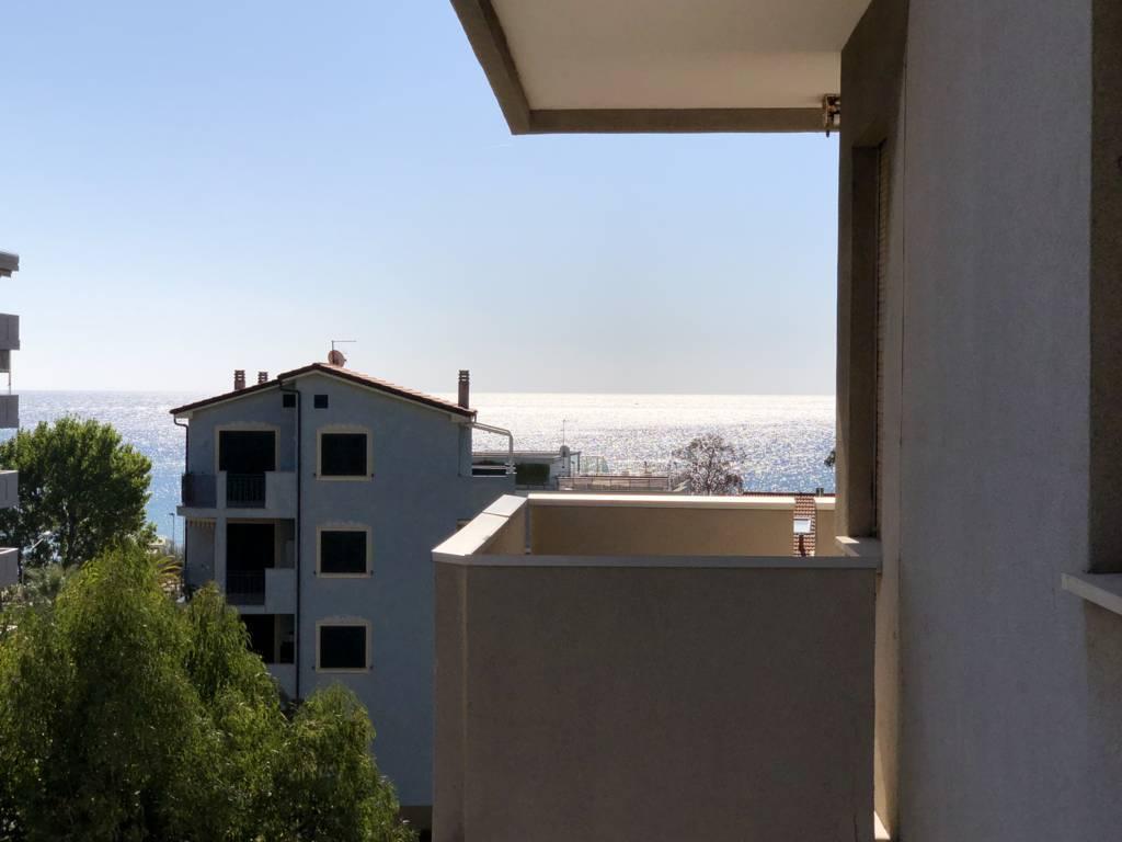 Appartamento in Vendita a Andora: 2 locali, 50 mq