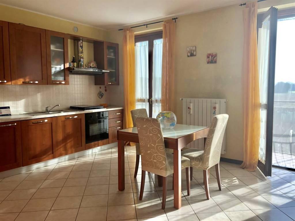 Appartamento in Vendita a Roncello: 2 locali, 70 mq
