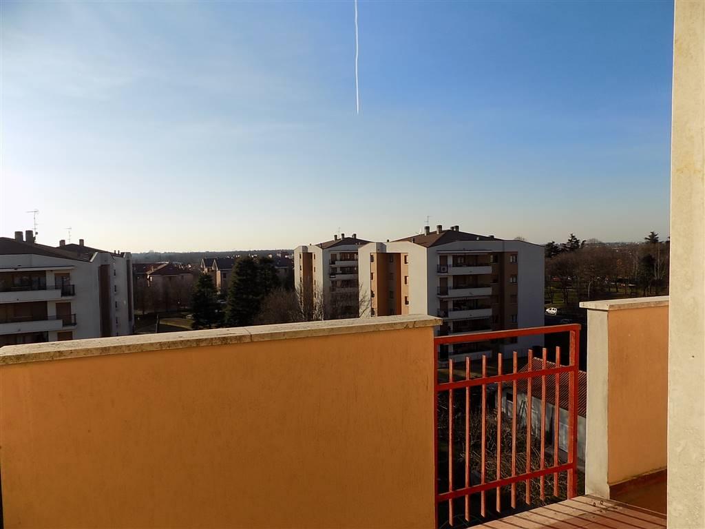 Appartamento in Vendita a Cavenago Di Brianza: 3 locali, 98 mq