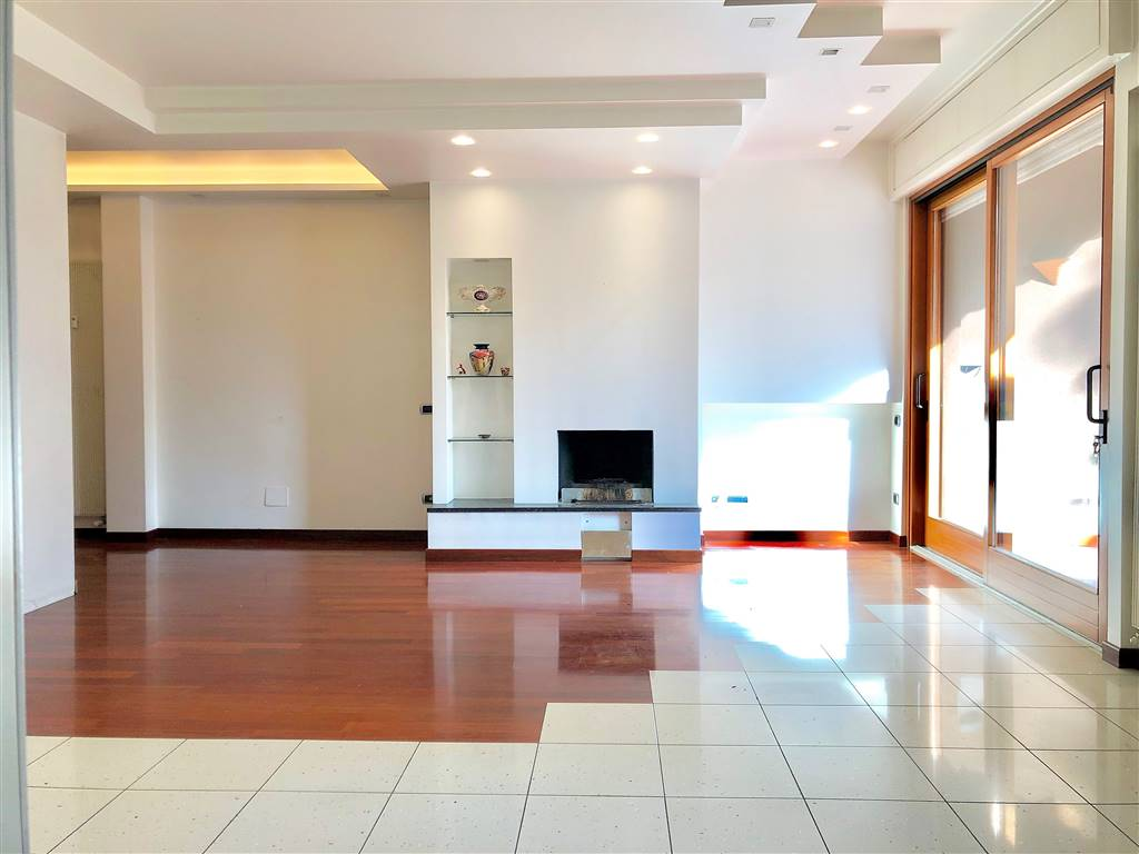 Appartamento in Vendita a Vimercate:  4 locali, 150 mq  - Foto 1