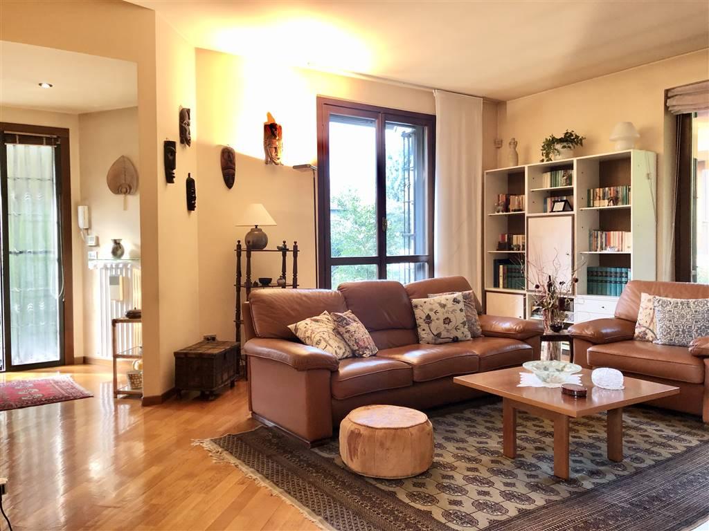 Villa in Vendita a Burago Di Molgora: 4 locali, 300 mq