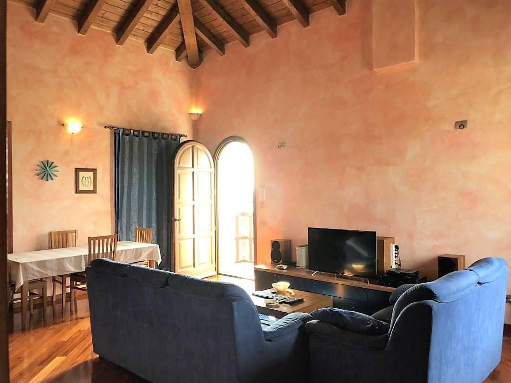 Appartamento in Vendita a Vimercate: 5 locali, 150 mq