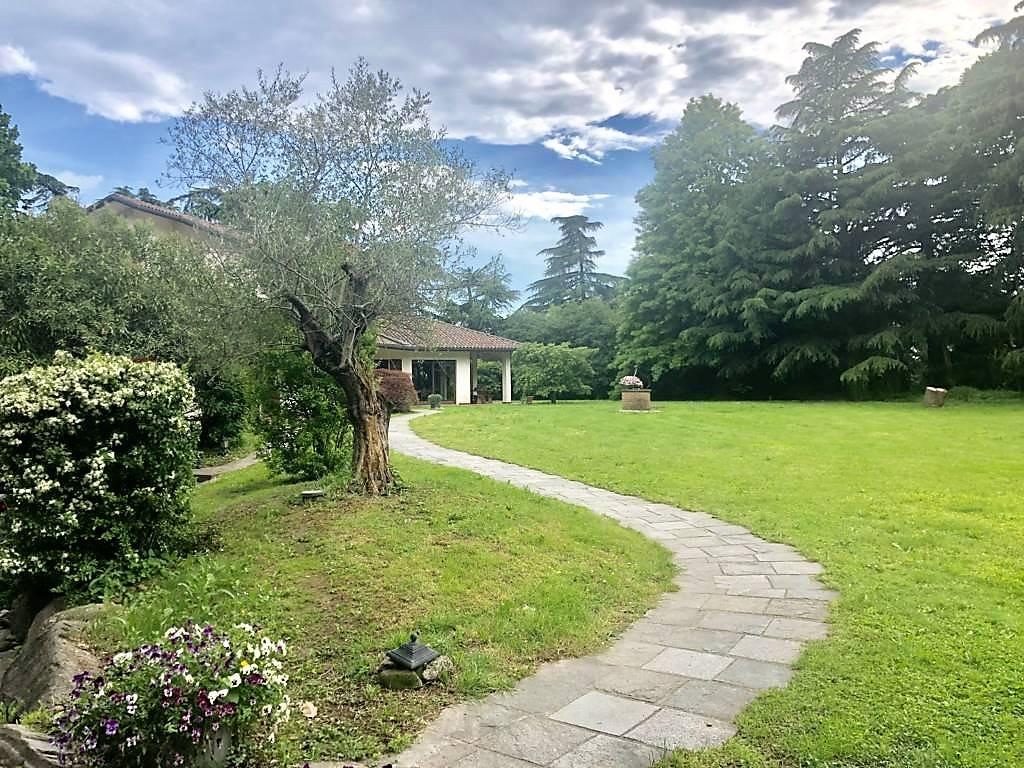 Villa in Vendita a Paderno D'Adda:  5 locali, 600 mq  - Foto 1
