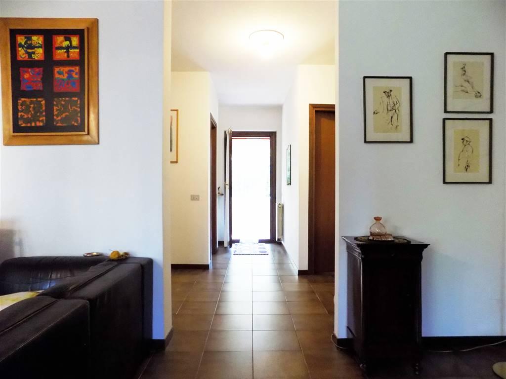 Appartamento in Vendita a Cavenago Di Brianza: 4 locali, 141 mq
