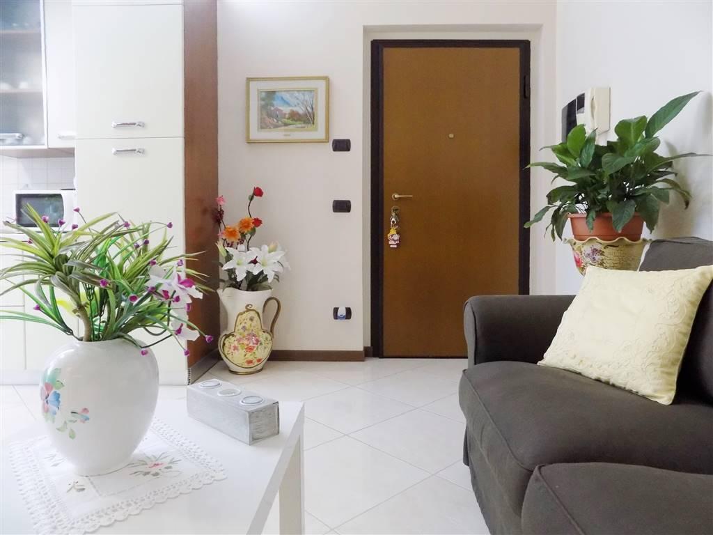 Appartamento in Vendita a Bernareggio: 3 locali, 85 mq