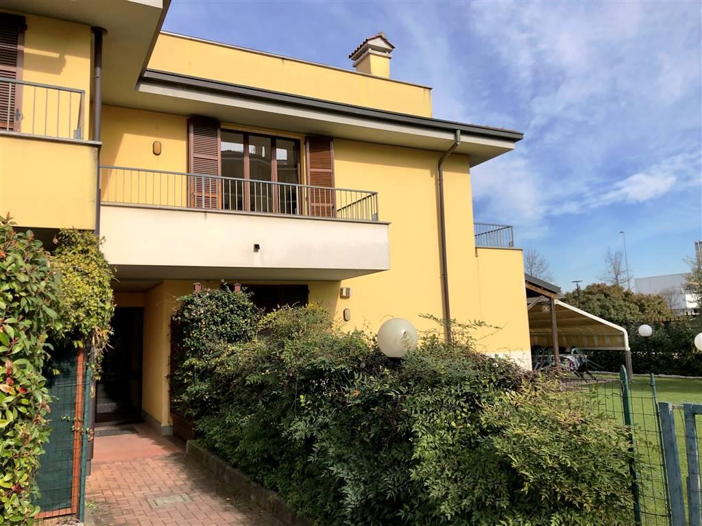 Appartamento in Vendita a Caponago: 2 locali, 70 mq