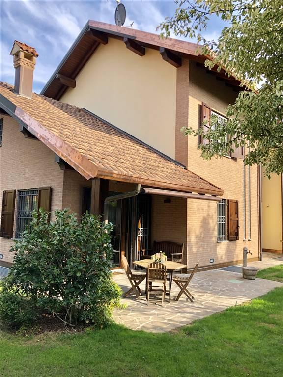 Villa in Vendita a Vimercate: 5 locali, 339 mq