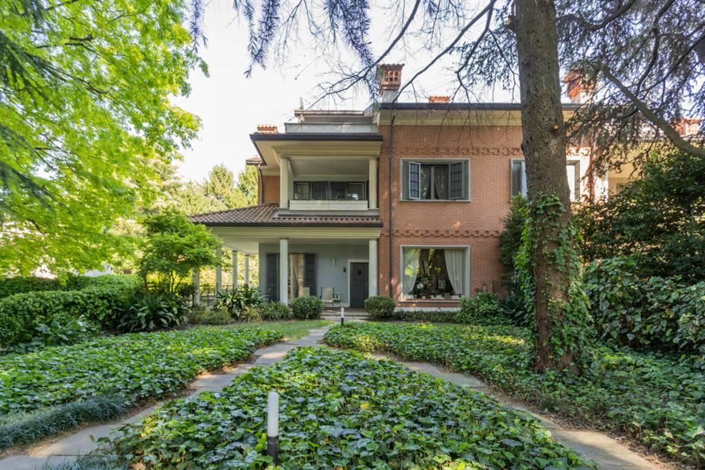 Villa in Vendita a Agrate Brianza: 4 locali, 400 mq