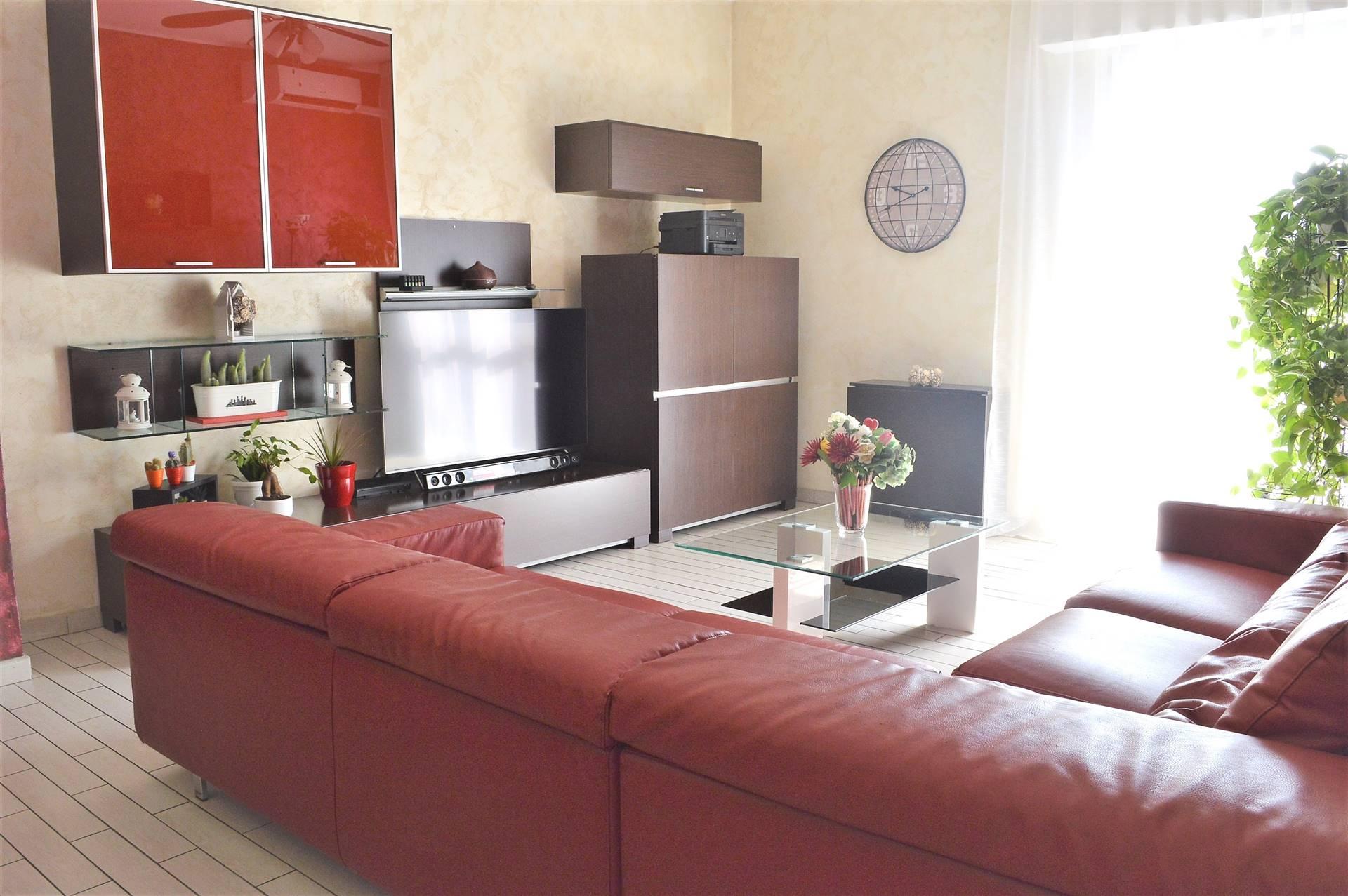 Appartamento in Vendita a Roncello: 3 locali, 105 mq