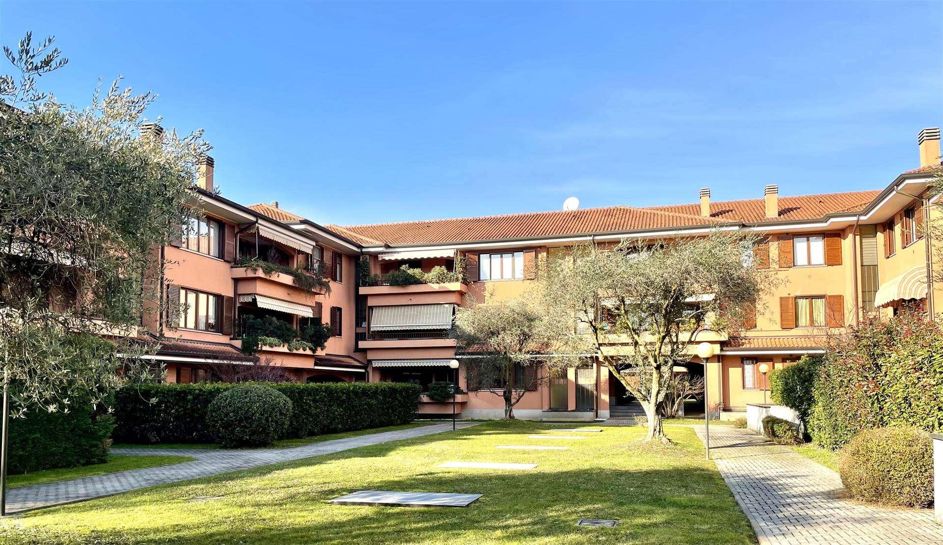 Appartamento in Vendita a Cambiago: 4 locali, 125 mq