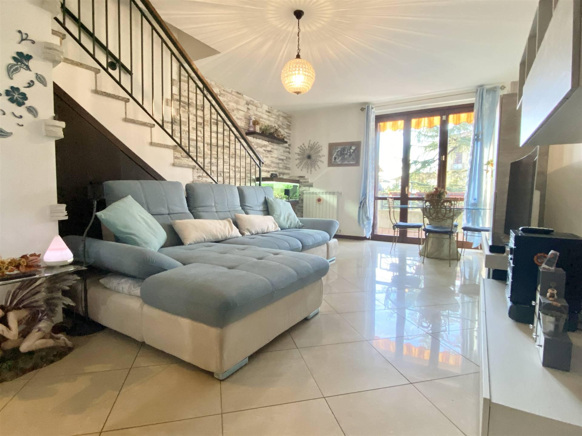 Appartamento in Vendita a Grezzago: 3 locali, 110 mq