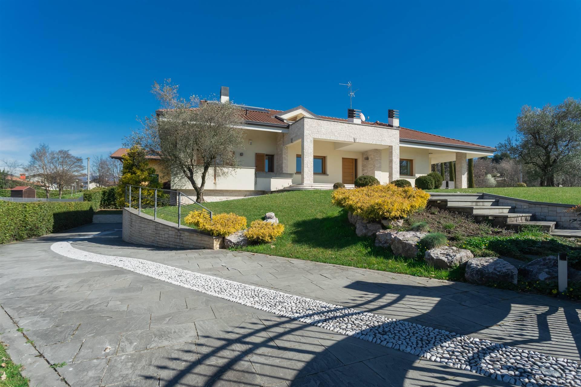 villa di prestigio unico livello