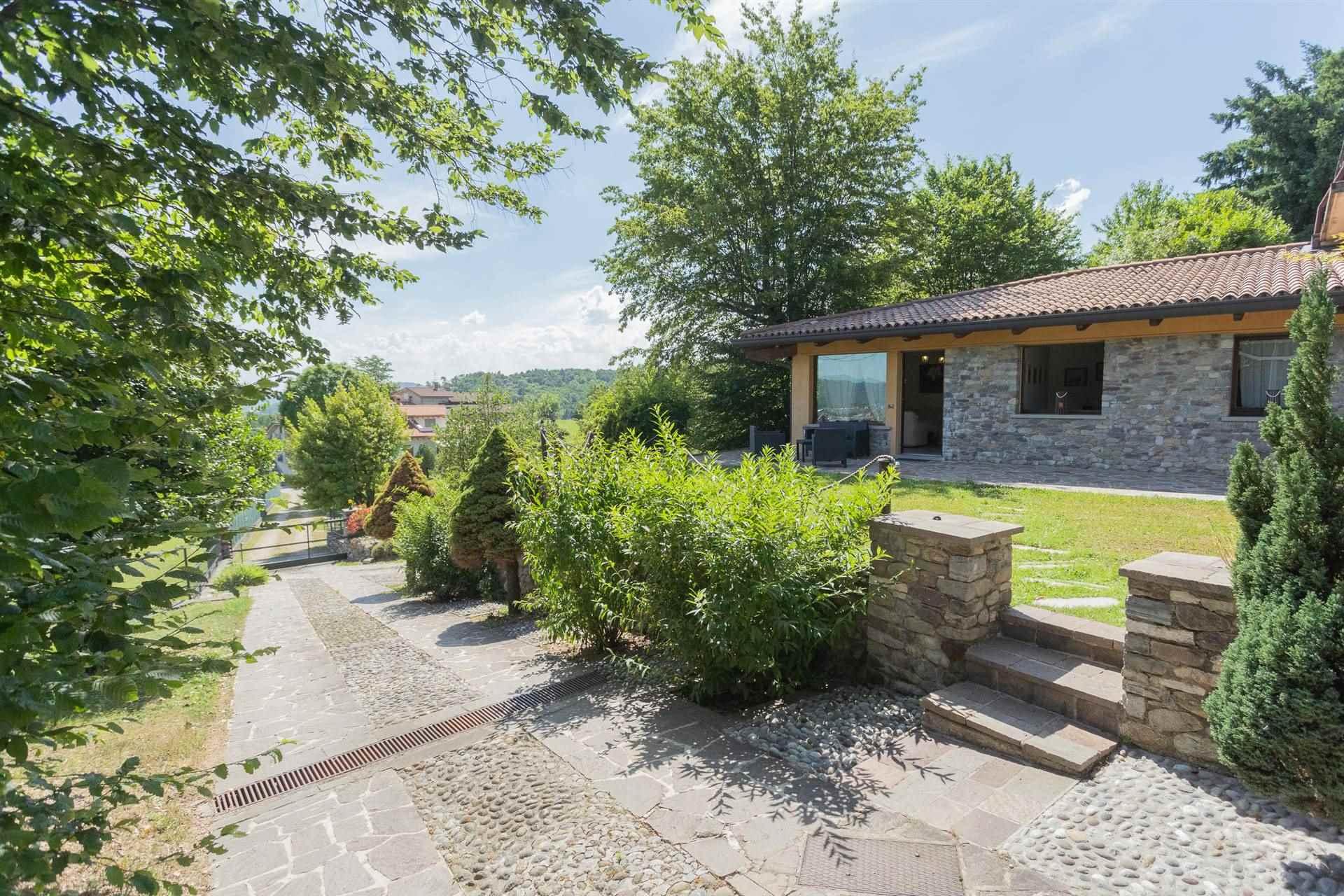 Villa in Vendita a Almenno San Salvatore