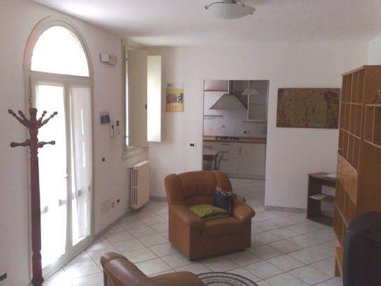 Soluzione Indipendente in vendita a Comacchio, 4 locali, prezzo € 110.000 | Cambio Casa.it