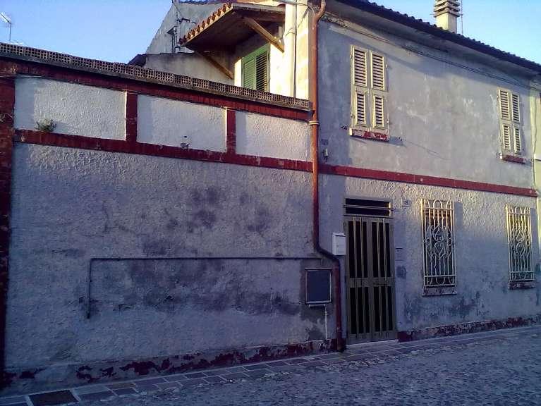 Soluzione Indipendente in vendita a Comacchio, 6 locali, zona Località: CENTRO STORICO, prezzo € 120.000 | Cambio Casa.it
