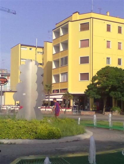Attico / Mansarda in vendita a Comacchio, 5 locali, zona Zona: Lido degli Estensi, prezzo € 115.000 | Cambio Casa.it