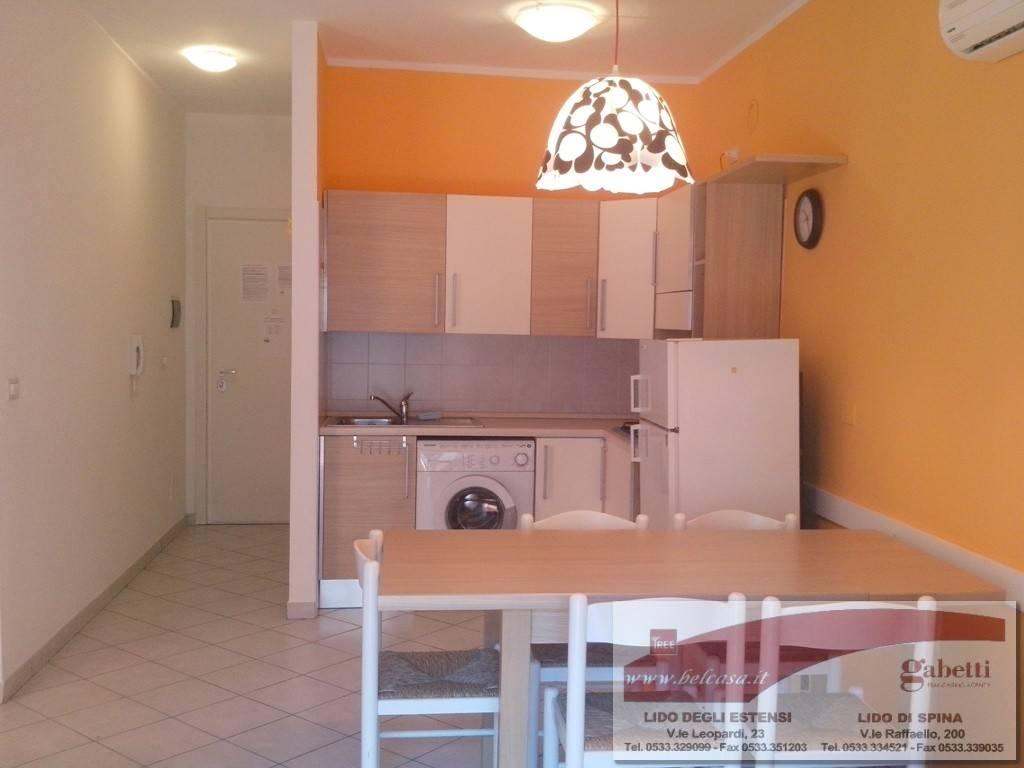 Appartamento in affitto a Comacchio, 3 locali, zona Zona: Lido di Spina, prezzo € 500 | Cambio Casa.it