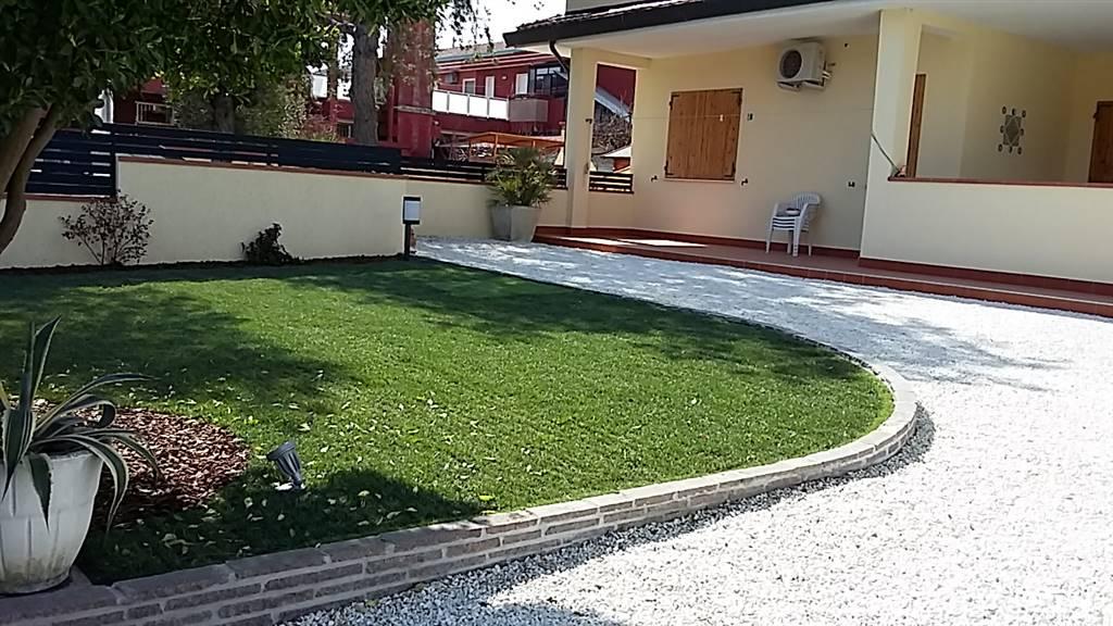 Villa-Villetta  in Affitto a Comacchio