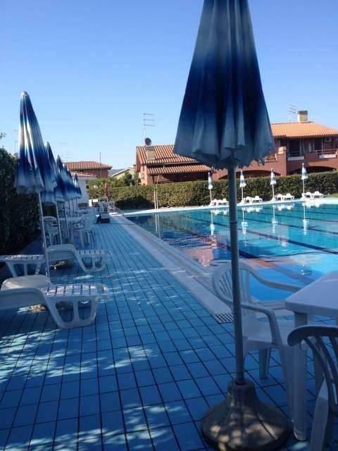 Villa in vendita a Cerveteri, 2 locali, zona Zona: Marina Di Cerveteri , prezzo € 150.000 | CambioCasa.it