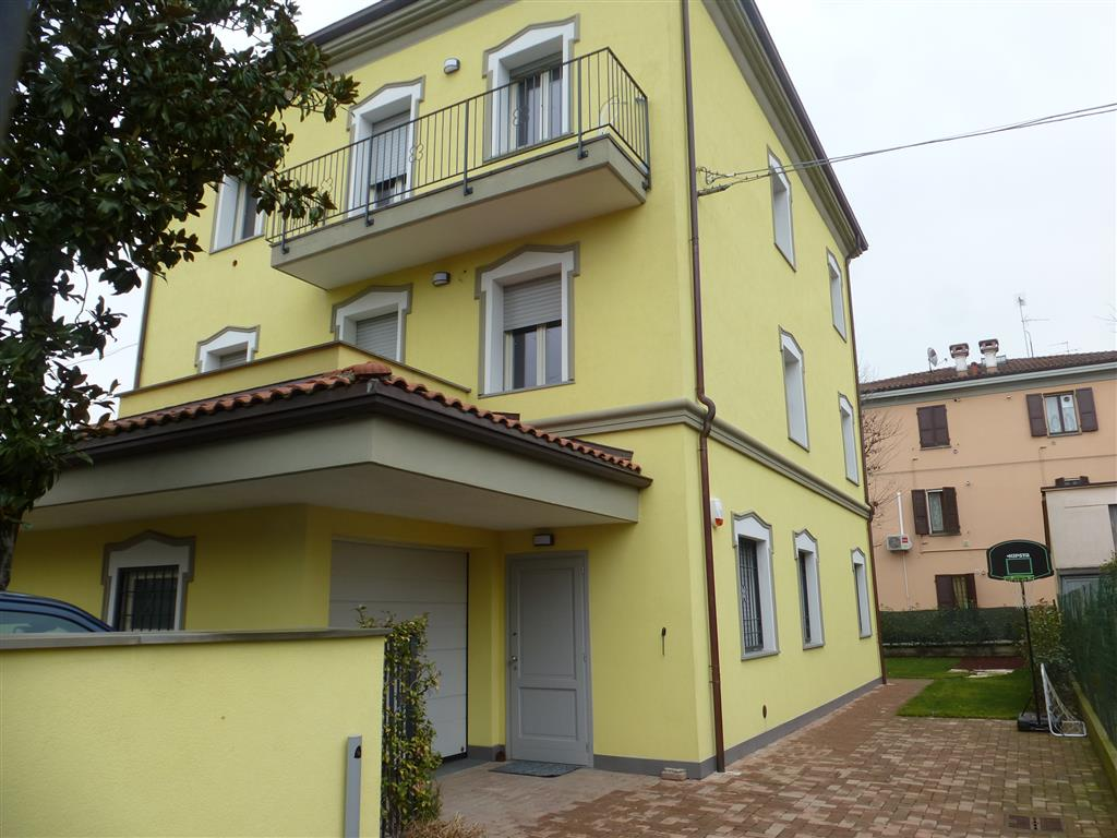 Case madonnina modena in vendita e in affitto modena for Stanze in affitto modena