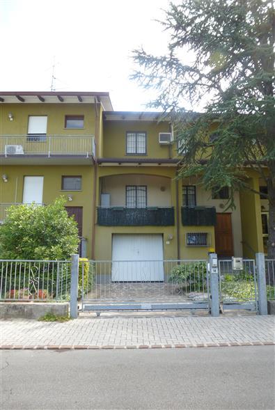 Villa a Schiera in vendita a Soliera, 6 locali, zona Zona: Sozzigalli, prezzo € 220.000 | CambioCasa.it
