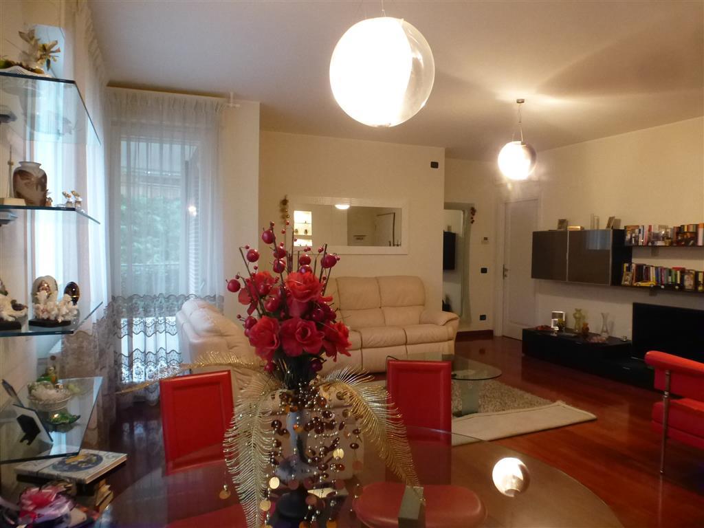 Vendita Quadrilocale Buon Pastore Modena Seminuovo Secondo Piano  #AA2F22 1024 768 Mattonelle Per Cucina Disegnate