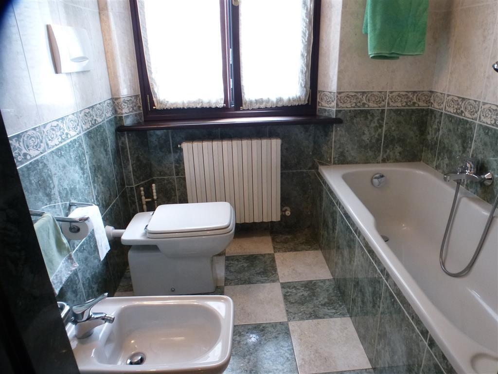 Vendita Appartamento Centro Storico Modena In Ottime Condizioni  #486B83 1024 768 Mattonelle Per Cucina Disegnate