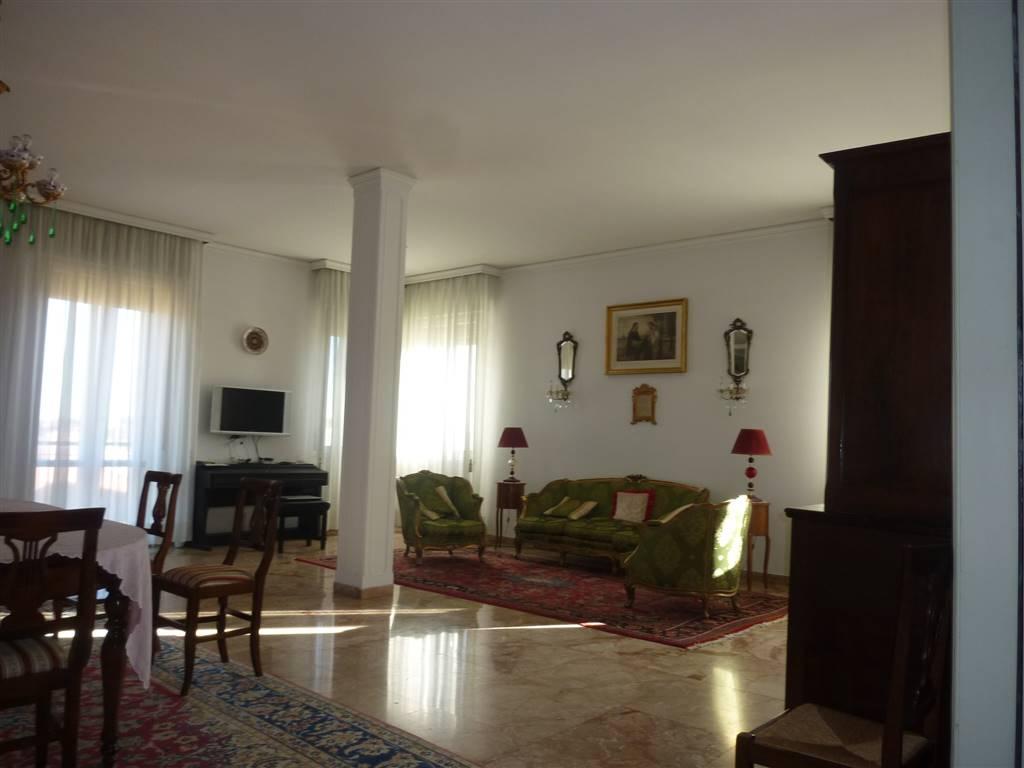 Attico, Centro Storico, Modena, abitabile