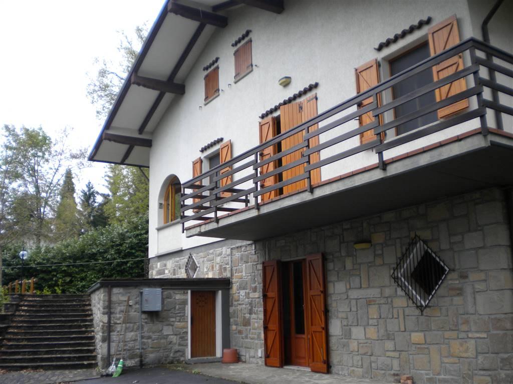 Villa a MONTEFIORINO