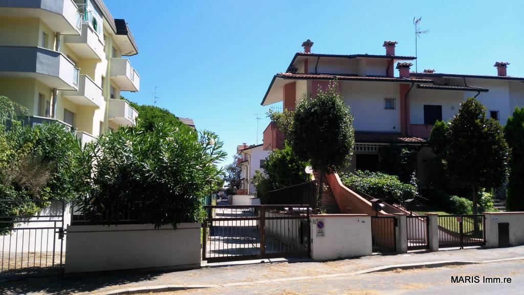 Villa a schiera, Lido Adriano, Ravenna, da ristrutturare
