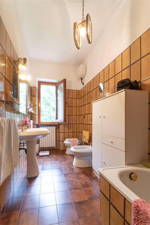 bagno 1p con vasca e doccia