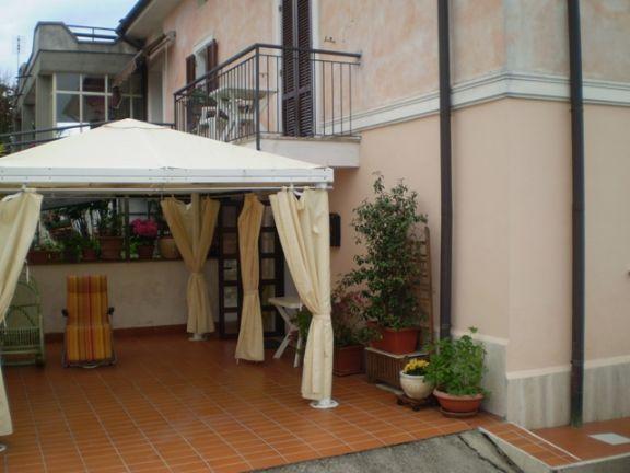 Casa semi indipendente, Colli Sul Velino, in ottime condizioni