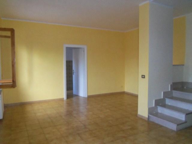 Villa a schiera, Vetralla, in ottime condizioni