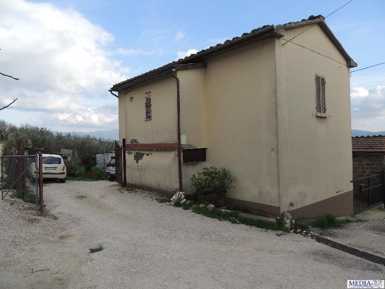Casa singola in vendita a san gemini terni rif fe14 for Piani di casa di 1500 mq