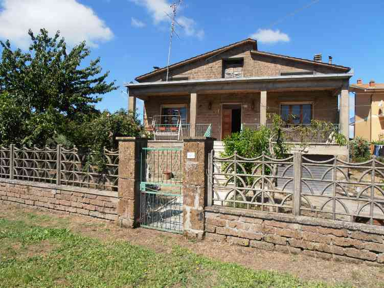 Villa, Vetralla