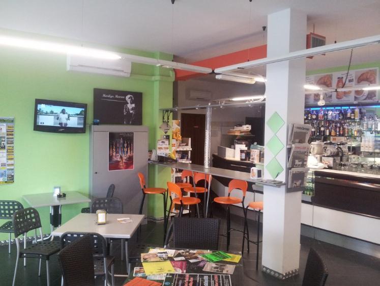 Bar, Semicentro, Viterbo, in ottime condizioni