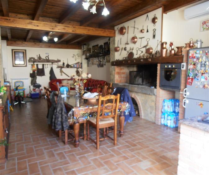Villa vendita MONTE ROMANO (VT) - 7 LOCALI - 220 MQ