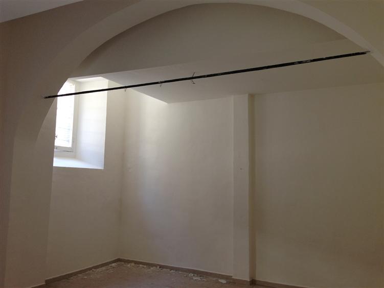 magazzino-deposito  in Affitto a Terni