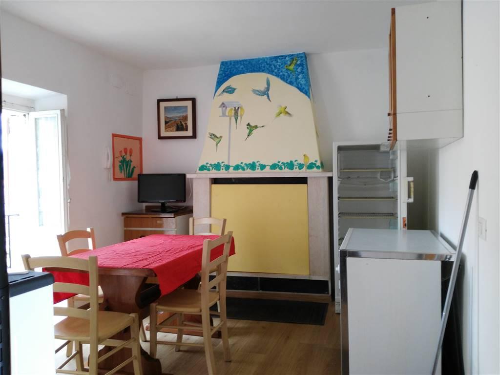 Appartamento indipendente in Via Della Madonna, Piediluco, Terni