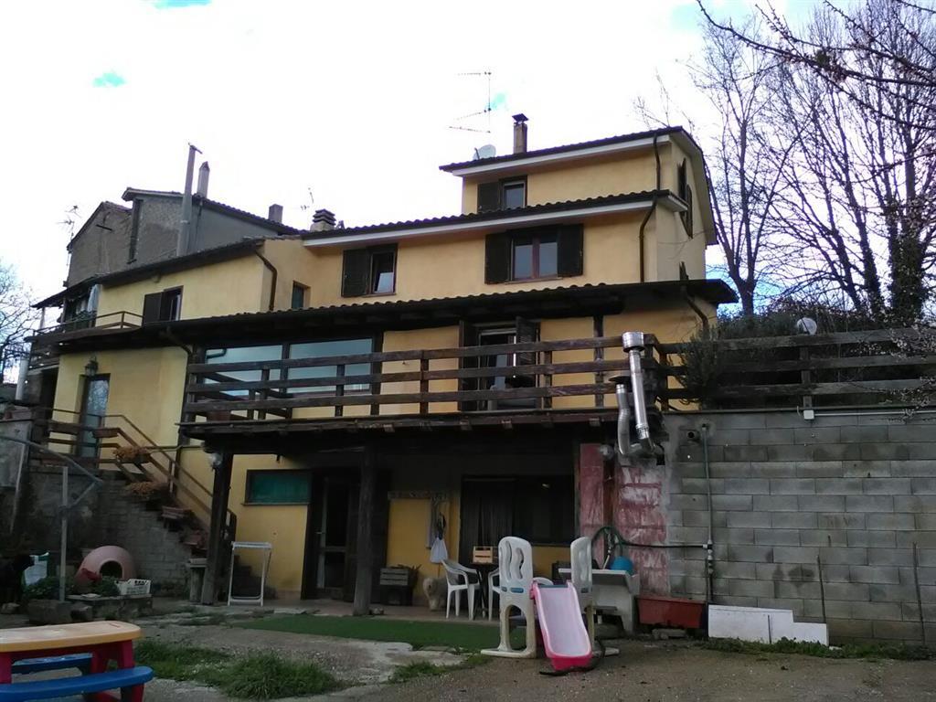 Villino, Vetralla